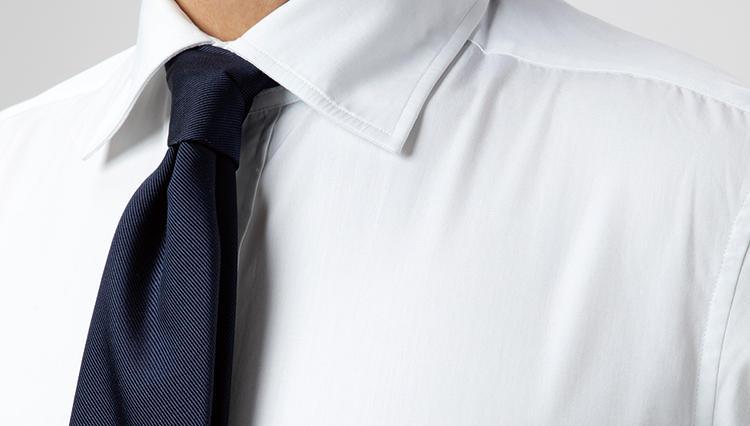 アイロンかけたシャツの「戻りジワ」、どうやったらすぐ取れる?【ひと手間で変わる仕事服メンテ】