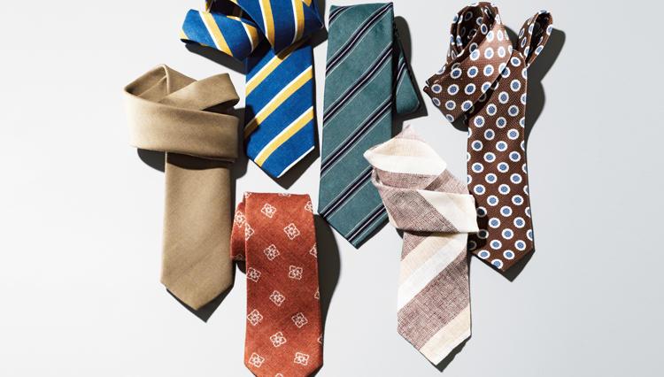 リネン素材のネクタイなら、シルクやニットと違って夏場も暑苦しく見えない