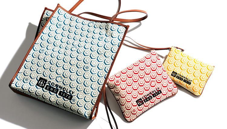 「コノリーのキャンバス鞄」が、南国の街歩きに最適な理由