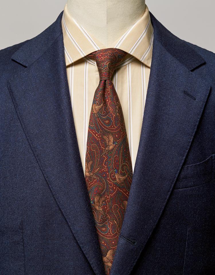 <p><strong>このタイに色シャツを合わせれば、'80年代的エレガンスも薫ってくる。</strong><br /><figcaption>スーツ11万円/ビームスF(ビームス 六本木ヒルズ) シャツ3万8000円/バグッタ(トレメッツォ)</figcaption>