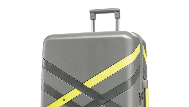いい意味で「らしくない」、サムソナイトのコラボスーツケース【ひと言ニュース】