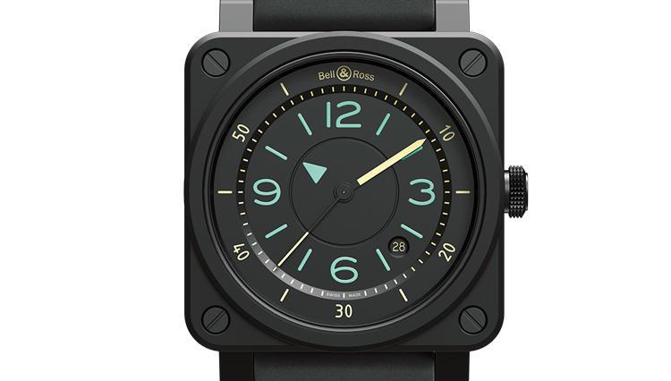 夏の夜は、真っ黒なラバーベルトの腕時計が快適なのだ【ひと言ニュース】