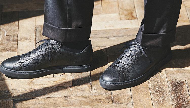 「仕事靴として使えるスニーカー」、選びのポイントはココだ!