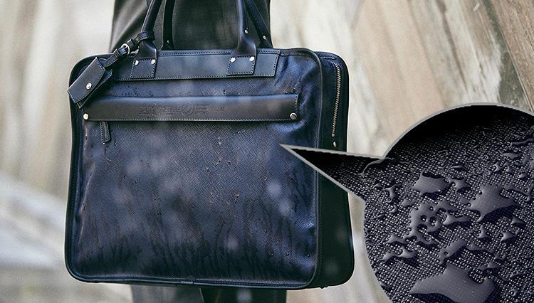 40代メンズのスーツにも似合う!「撥水ビジネスバッグ」5選【きちんと見える梅雨対策 #04】