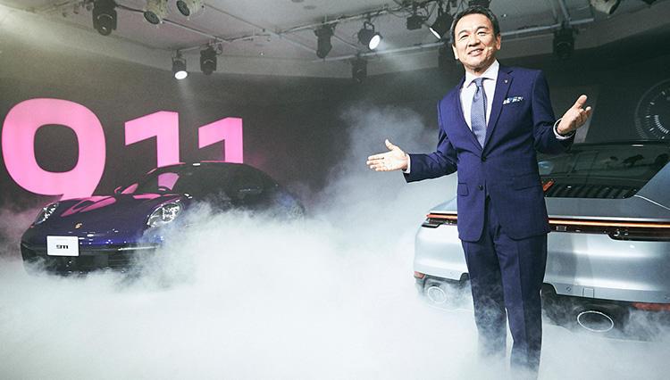 新型「ポルシェ911」発表会に、ポルシェジャパン社長はどんな装い戦略で臨んだか?