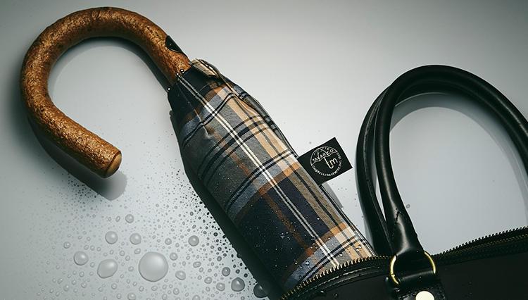 「雨の日好感度」が格段UP!「高級折り畳み傘」4選【きちんと見える梅雨対策 #06】