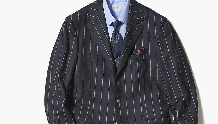 紺スーツで力強く見せるなら、こんなストライプ柄!