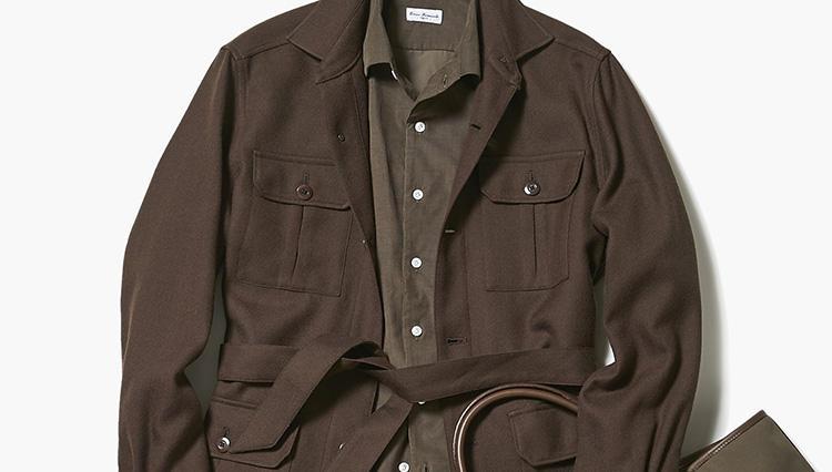 秋の休日、上品に見える「サファリジャケット」の着こなしは?