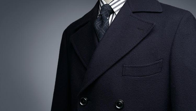 仕事も休日も!「麻布テーラーのオーダーコート」が着こなしの格を上げる理由