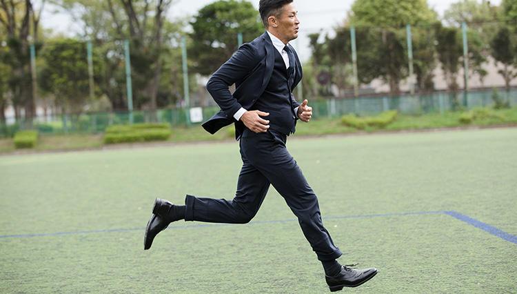 【ASICS RUNWALK】ラグビー元日本代表キャプテンの廣瀬俊朗さんが「走れるドレス靴」を体験!