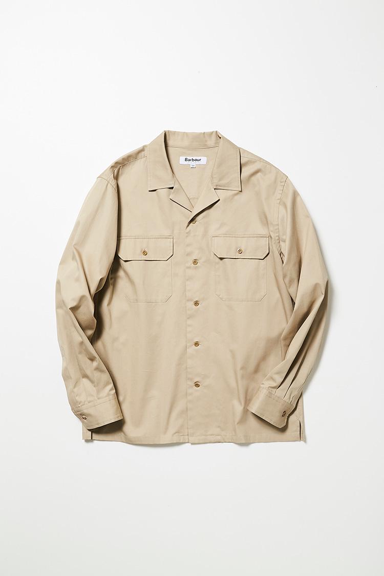 <p><strong>バブアー</strong><br />ミリタリーテイストのポケットが備わるオープンカラーシャツ。ハリのあるコットン素材を使用し、袖のダーツに工夫をこらすことで、ラギッドすぎないクリーンな印象に仕上げている。1万6000円(バブアー 銀座店)</p>