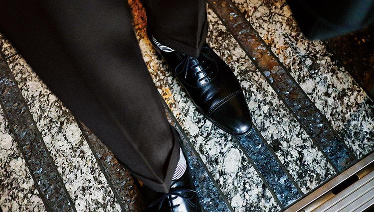 ジョン ロブの「フィリップⅡ」は、こんな履き方が今、気分!