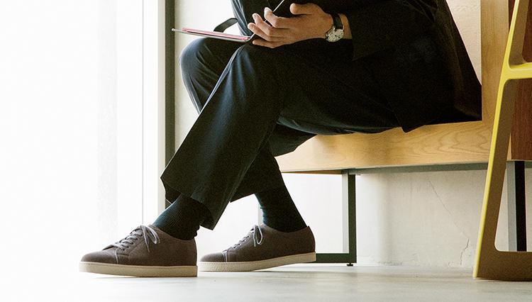 最高級靴ブランド「ジョンロブ」が作るとスニーカーも極上の履き心地に!