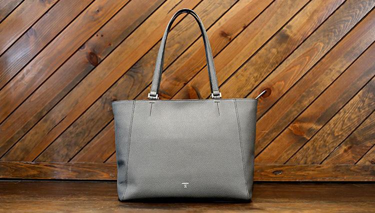 「オンオフ使えるバッグ」をお探しなら、エルゴポックの新作トートが狙い目!