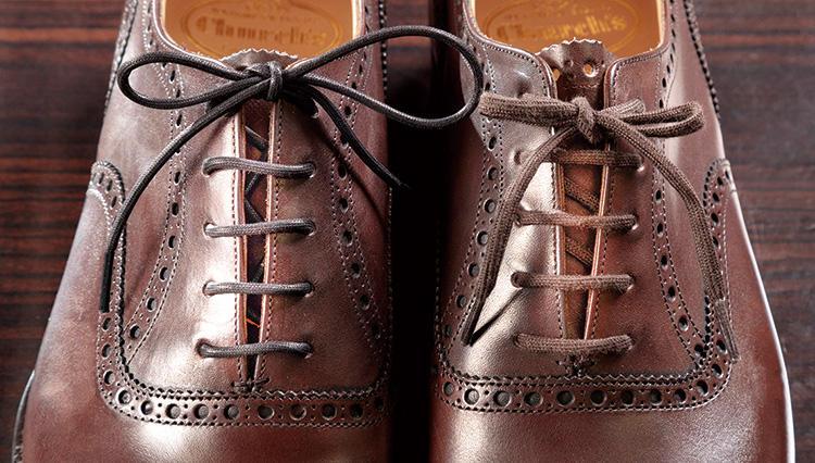 高級靴を買ったら、正しい靴紐の通し方を2種類は覚えよう!【究極の靴磨き】