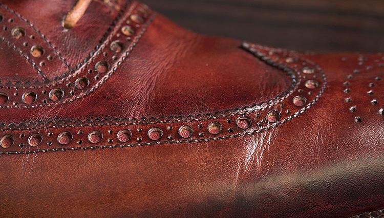 雨に濡れて革靴にできてしまったクレーターの対処法は?【究極の靴磨き】