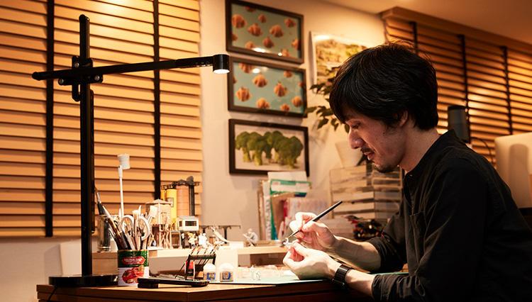 ミニチュア写真家・田中達也さんが操る 【Dyson Lightcycle /作品を引き立てる光】