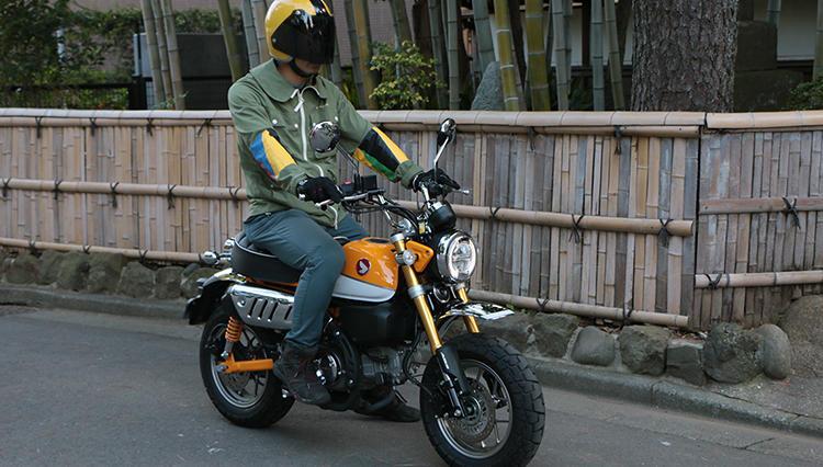 新色も追加されたホンダ「モンキー125」を田舎道からサーキットまで乗り回してみた!