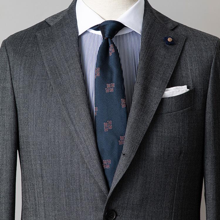シャツとネクタイが柄モノのとき気をつけることは? 【1分で出来るスーツのお洒落_ストラスブルゴ編】