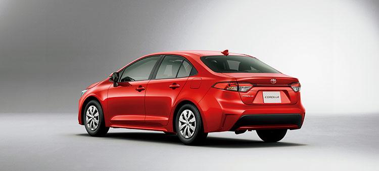 <p>エンジンラインナップは1.2リッターのガソリン、1.8リッターのハイブリッドとガソリンが用意される(カローラスポーツは1.8リッターガソリンの設定なし)。燃費性能はガソリン車で14.6km/L~、肺部位ロッドモデルは29km/L~。</p>