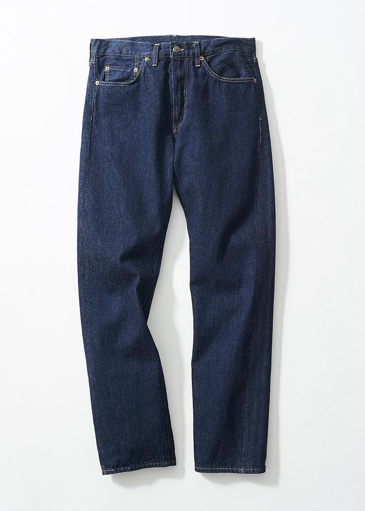 <p><strong>24.リーバイス® ビンテージ クロージングの501ZXXジーンズ</strong><br /> 定番501の1954年モデル。フロントはジッパー。生地にはコーンミルズ社のホワイトオーク工場製のセルビッジデニムを使用する、ヴィンテージモデル。2万5000円(リーバイ・ストラウス ジャパン TEL:0120-099-501)</p>
