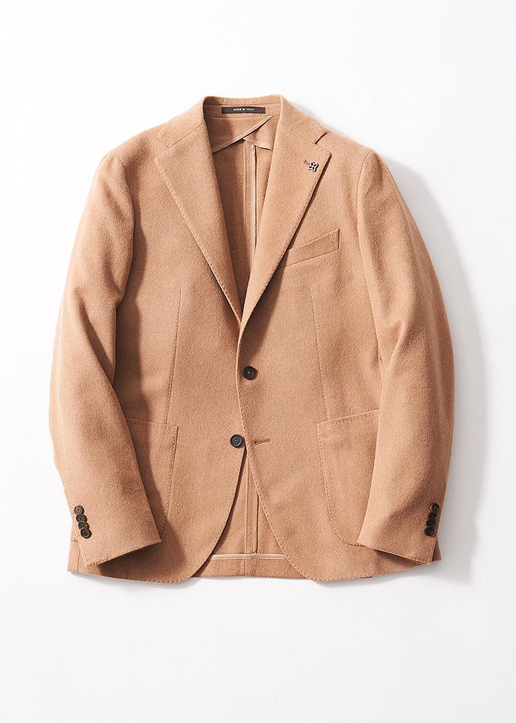 <p><strong>3. タリアトーレのキャメルジャケット</strong><br /> 洗練さが漂うモンテカルロ。キャメルヘアによるフランネル生地が、品良い色合いと相まって柔和な印象に。それでいて、繊細な起毛が高級感をしっかり主張。12万円(グジ 東京店 TEL:03-6721-0027)</p>