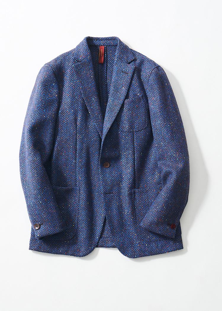 <p><strong>37.エルネストのヘリンボーンジャケット</strong><br /> 軽く羽織れる休日ジャケットとして選びたい、ヘリンボーン織りのアンコンジャケット。本来カントリーな織りだが、鮮やかなブルーとカラーネップはモダンな着こなしにも合わせられる。12万6000円(バインド ピーアール TEL:03-6416-0441)</p>