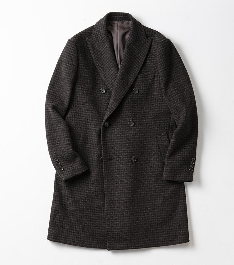 <p><strong>オンリー </strong></br></p> <p>日本人の体型を意識したパターンと独自技術によるスーツやコートに定評のあるオンリー。今季は、ウールならではの暖かな風合いはそのままに、軽やかな着心地に仕上げたこちらのチェスターコートに注目だ。ラペルの返りやショルダーラインの美しさ、前方仕様など、着心地の良さをとことん追求。軽量でありながら、きちんとした見栄えと美しいシルエットに仕上がっているのはスーツを知るオンリーだからこそ。膝上のモダンかつコンパクトなシルエットも若々しく見えるに違いない。3万8000円(オンリー)︎</p>