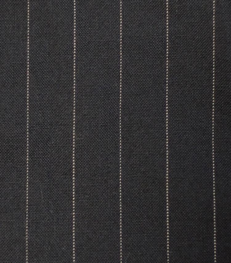 <p><strong>【柄】○○ストライプ</strong><br />針のように細い点を連続させて構成した線を並べてストライプ柄にしたもの。クラシックな英国調のスーツに用いられることが多い。</p>