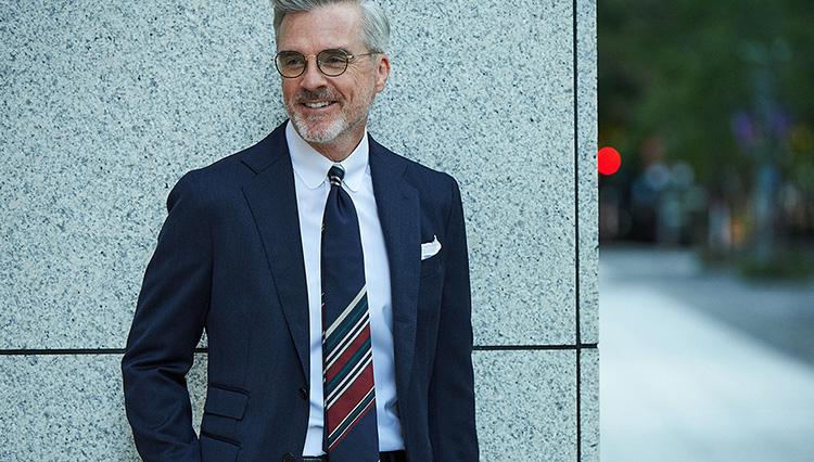 いつもの「紺無地スーツを今年っぽく」見せるネクタイは、こんな柄!
