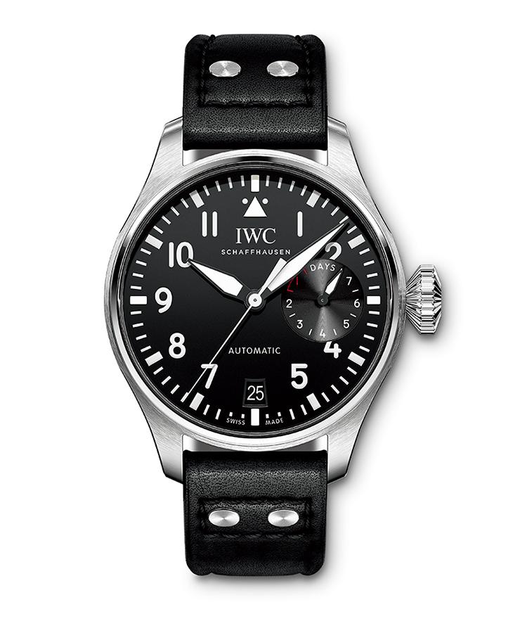 <p><b>IWC</b> アイ・ダブリュー・シー<br /> <b>ビッグ・パイロット・ウォッチ</b><br /> 1940年代にドイツ空軍に納入した高精度航空時計に端を発するシリーズの最新作。軟鉄製インナーケースで耐磁性を高めた大型ケースには、ペラトン式自動巻き機構を採用した自社製Cal.52110を搭載し、7日間の駆動時間を実現。自動巻き。径46.2㎜。SSケース。サントーニ社製カーフストラップ。145万5000円(IWC)</p>