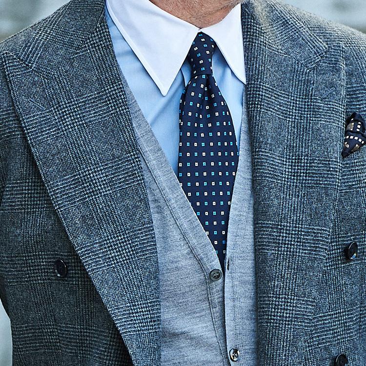 大柄チェックスーツに似合うネクタイは?【1分で出来るスーツのお洒落】