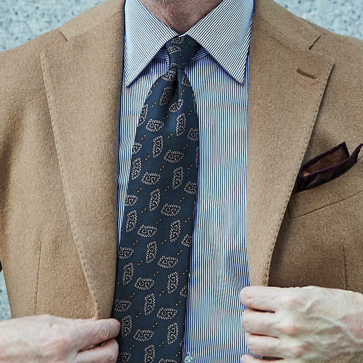 同じシャツ&ネクタイを違う印象で着こなすには?【1分で出来るスーツのお洒落】