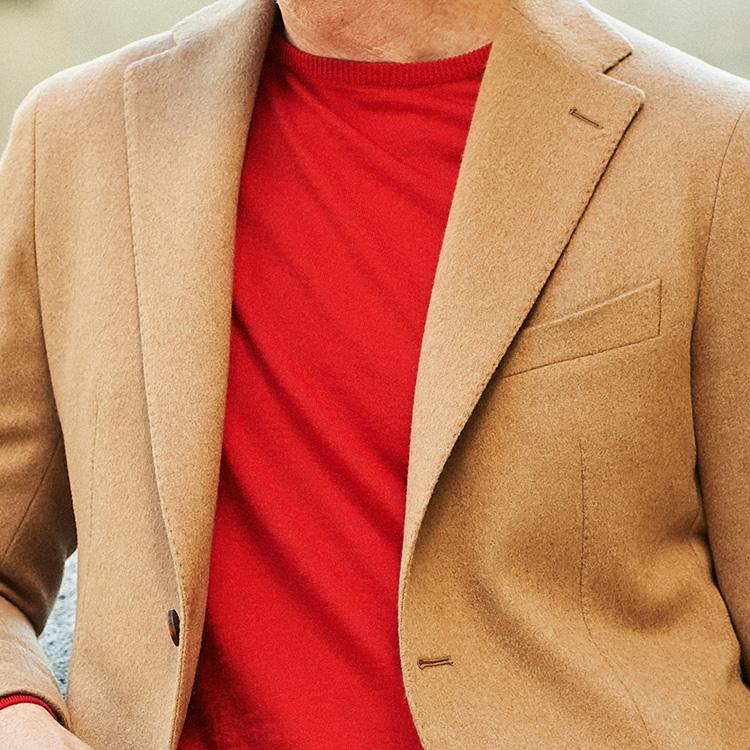 休日ジャケットを華やかに見せるには?【1分で出来るスーツのお洒落】
