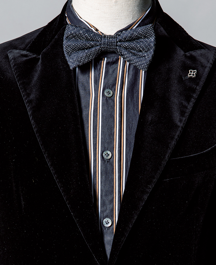 <p><strong>5黒基調の中でシャツの黄縞がアクセントに。</strong><br /><figcaption>ジャケット8万9000円/タリアトーレ(トレメッツォ) シャツ3万2000円/バグッタ(トレメッツォ)</figcaption>