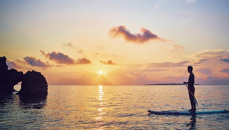 晩秋の沖縄・本島東海岸側には、夏のリゾートじゃ味わえない神秘的な魅力があった
