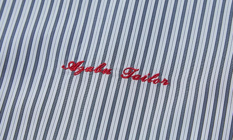 <p>自身のネームを刺繍できるのも、オーダーの醍醐味だ。(オプション価格+500円)</p>