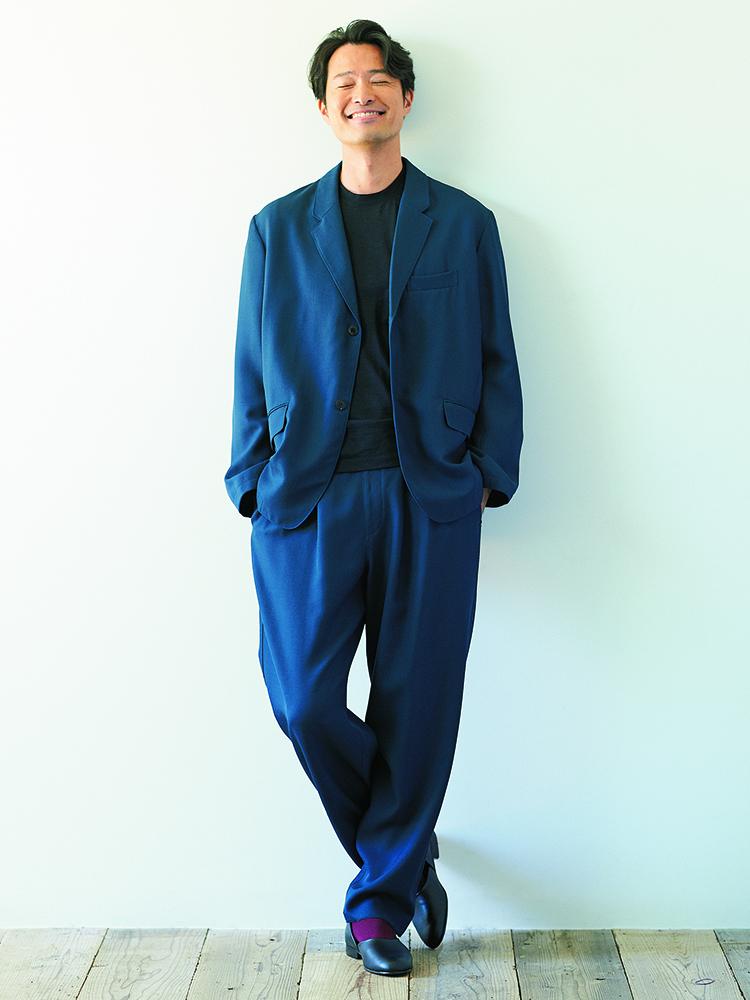 スーツの自由化