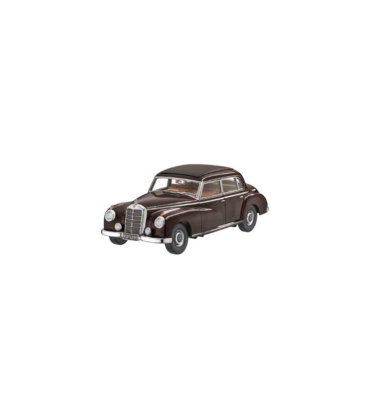 <p><strong>300 W186タバコブラウン</strong></br>1951年のフランクフルトモーターショーで発表されるやいなや、ドイツの首相はじめ多くの政治家やビジネスエリートに選ばれる存在となった「メルセデス・ベンツ 300」のミニカー。実際の車両設計データを利用し、数十・数百にもおよぶパーツを手作業で組み立てた精巧な仕上がり。1万6500円</p>