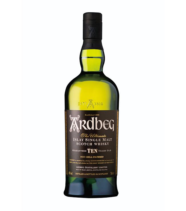 <p><strong>【4・アイラ】アードベッグ10年<br /> 産地の特徴:スモーキーで香り高い個性派</strong></p> <p>ピートが堆積したアイラ島のウイスキーは、味も香りもとにかく個性的なシングルモルト揃い。アードベッグは強烈なスモーキーさと繊細な甘さが調和したクセになる味わい。5800円(MHDモエ ヘネシー ディアジオ)</p>