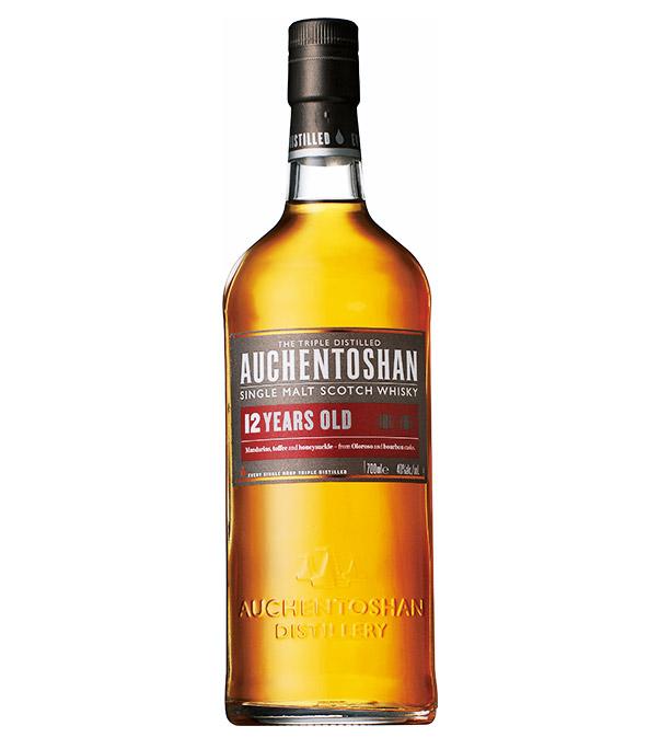 <p><strong>【6・ローランド】オーヘントッシャン12年<br /> 産地の特徴:ライトな仕上がりでクセのないものが主流</strong></p> <p>南東部全域にわたるローランドのウイスキーは、軽やかでソフトなものが多数。オーヘントッシャンはアメリカンオークバーボン樽で熟成され、クセがなく万人におすすめ。カクテルにも使われるお酒。4000円(サントリーお客様センター)</p>