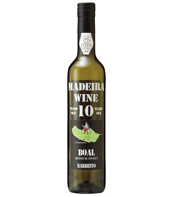 <p><strong>Madeira Wine[マデイラワイン]<br /> ポルトガル領マデイラ島の伝統酒</strong><br /> 甘さの中の酸が特徴的で、ブアルはそのバランスが心地よい中甘口タイプ。抜栓後も常温保存が可能なのもマデイラの特徴。「ヴィニョス・バーベイト ブアル10年」4600円(木下インターナショナル)</p>