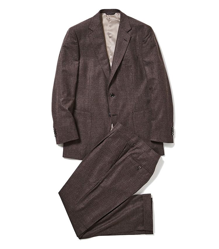<p><strong>3.麻布テーラーのチェックスーツ</strong><br /> 2と同じく上下別々での着用も可能な「ジェットクルーズ」モデル。ブラウンベースの渋いチェック柄も、上質なウール×シルク×カシミア素材も、長期間の着用が見込める。12万円 〈オーダー価格〉(麻布テーラースクエア二子玉川店)</p>