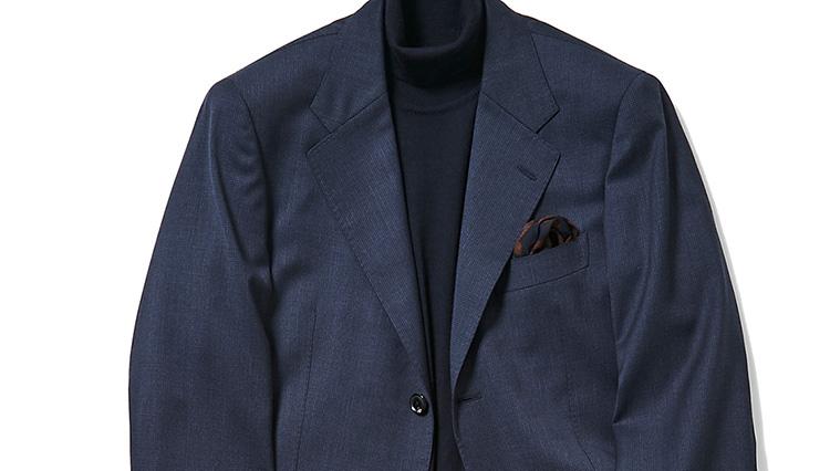 いつもの紺スーツが「ノータイでもきちんと見える」テクニック