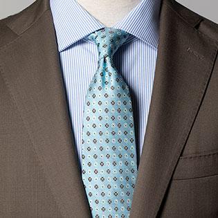 地味スーツを「春らしく」見せるネクタイはこんな色!【1分で出来るスーツのお洒落】