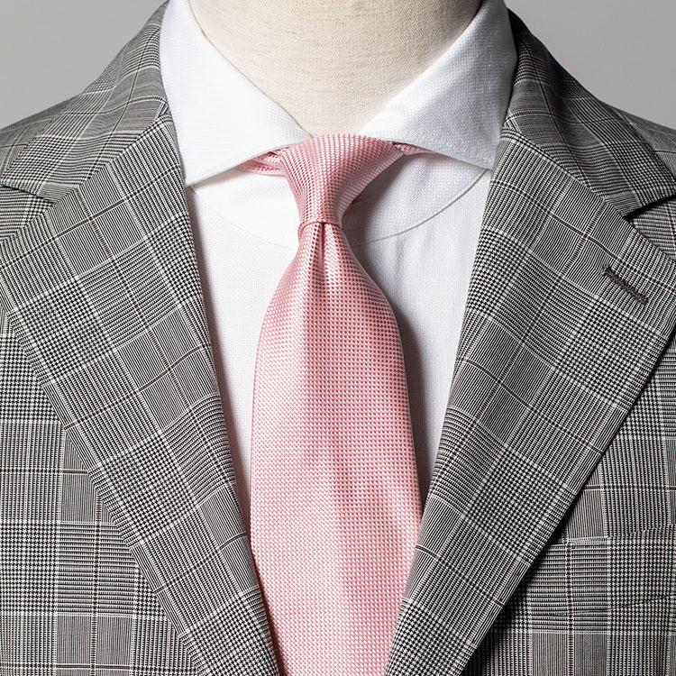 ライトグレーのスーツを優しく着こなすコツ【1分で出来るスーツのお洒落】