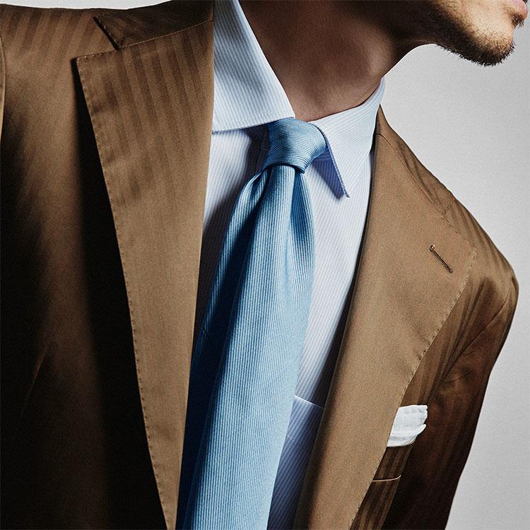 顔色を明るく見せられるネクタイはありますか?【1分で出来るスーツのお洒落】
