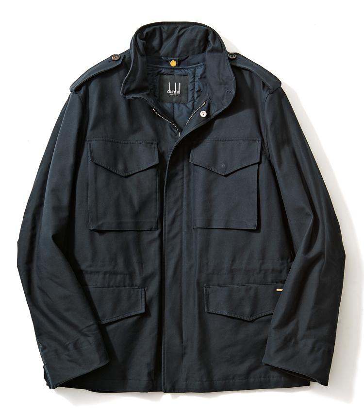 <p><strong>DUNHILL / ダンヒル<br /> 2WAYで使い勝手もいいラグジュアリーM-65</strong><br /> 上品な光沢を湛えたコットンツイルによるM-65。細やかな縫製や端正なカッティングなど、ダンヒルらしいラグジュアリー感が際立つM-65だ。袖まである中綿入りライニングは着脱可能で、寒さが残る今の時期から春まで長く活躍してくれる。23万円(ダンヒル)</p>