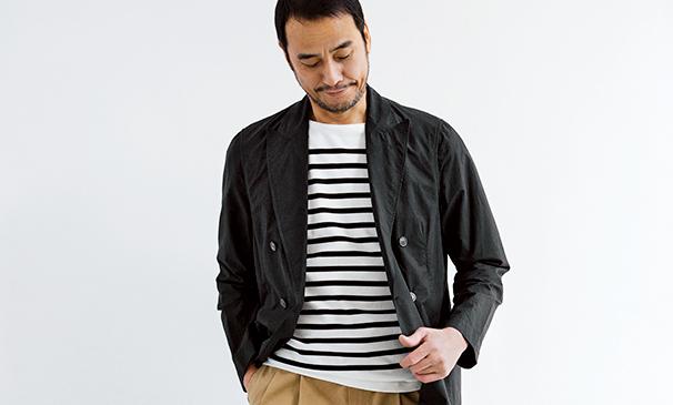 <p><strong>【POINT2】<br />黒ボーダーでジャケットリンク</strong><br />定番の紺ボーダーではなく、白黒縞を選ぶことでジャケットとより調和した印象に。</p>