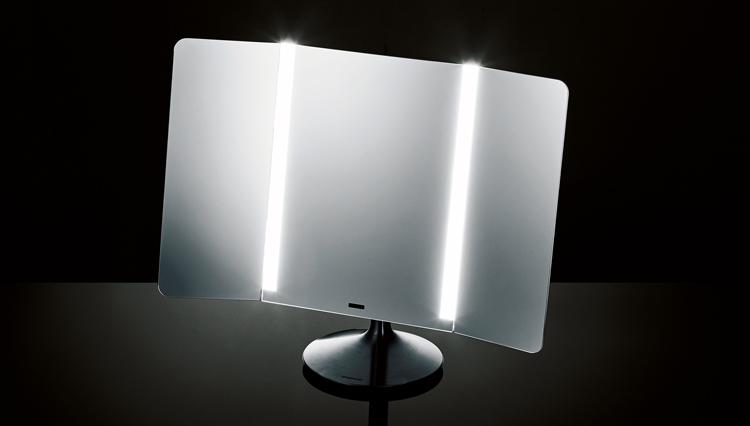 """こんな次世代の三面鏡があれば、""""真の自分""""を見つめ直せる…かも!?"""